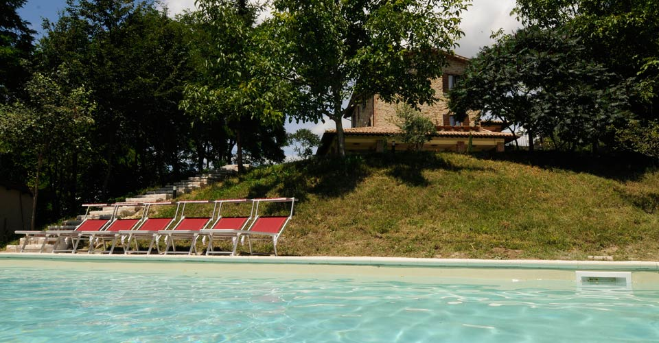 Agritourism in Italy with swimming pool